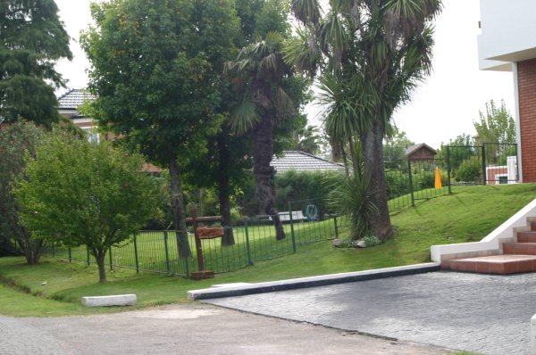 Alquiler y venta de casas en barrios cerrados 1 for Busco casa en alquiler