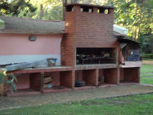 Alquiler casas quintas loma verde escobar for Parrilla casa de campo