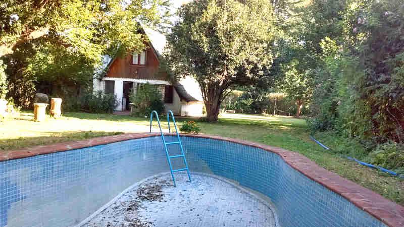 Venta casas quintas estilo alpino con piscina en zona for Piscina zona norte avila